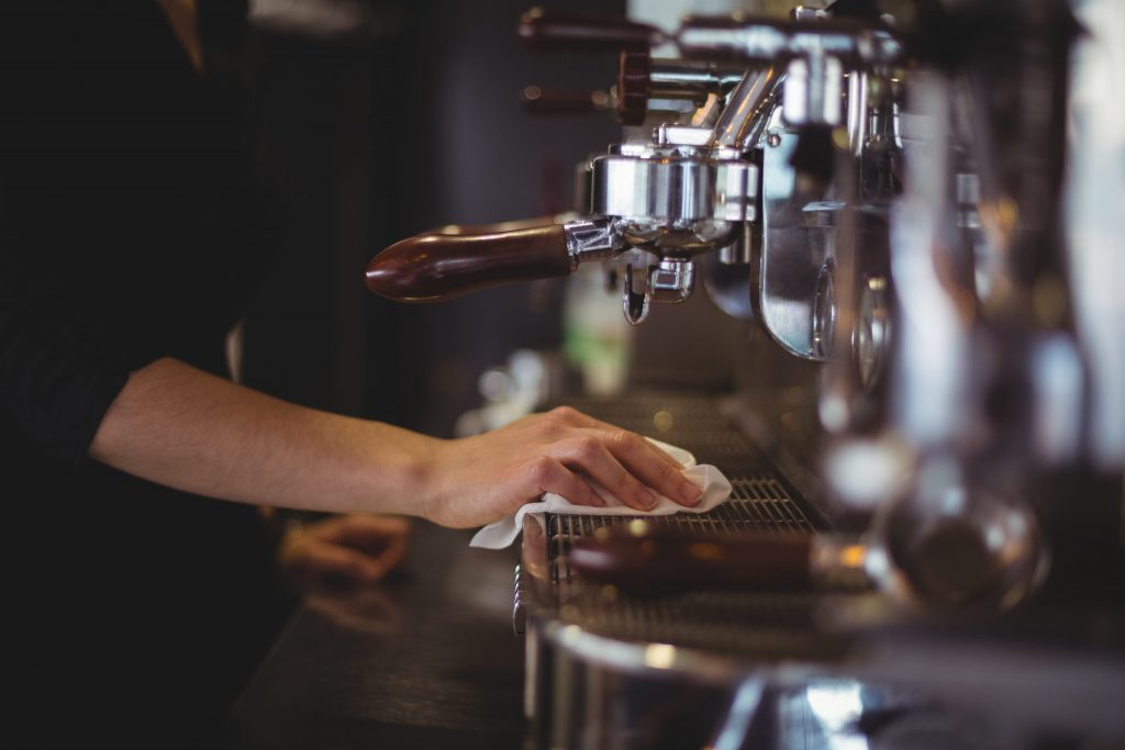 Preventive measures in restaurants against COVID-19